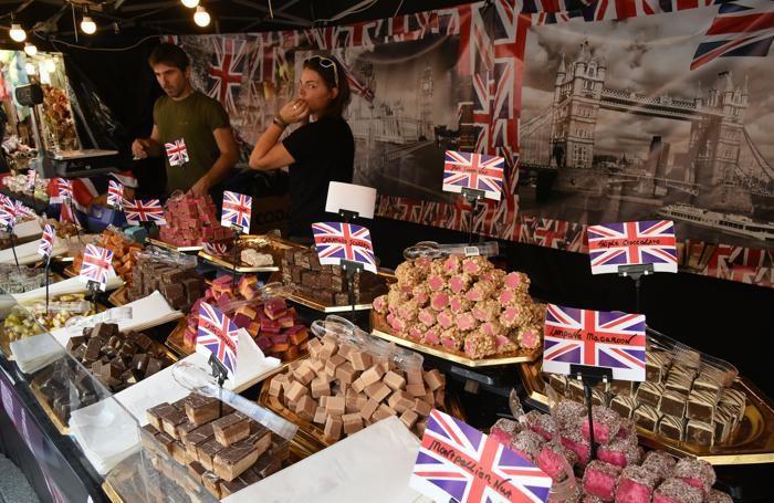 stand con prodotti inglesi alla fiera di Mercatanti sul sentierone a Bergamo