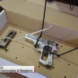 Estorsione aggravata dall'uso di armi, 27ennne in manette