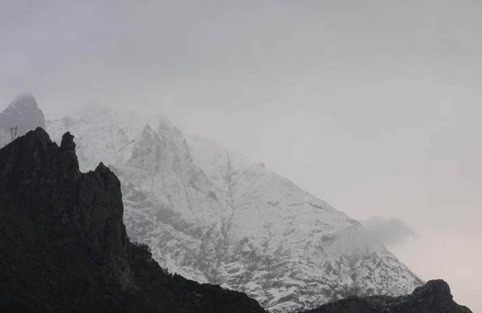 Valbondione verso il rifugio Curò neve dai 1700 metri di quota