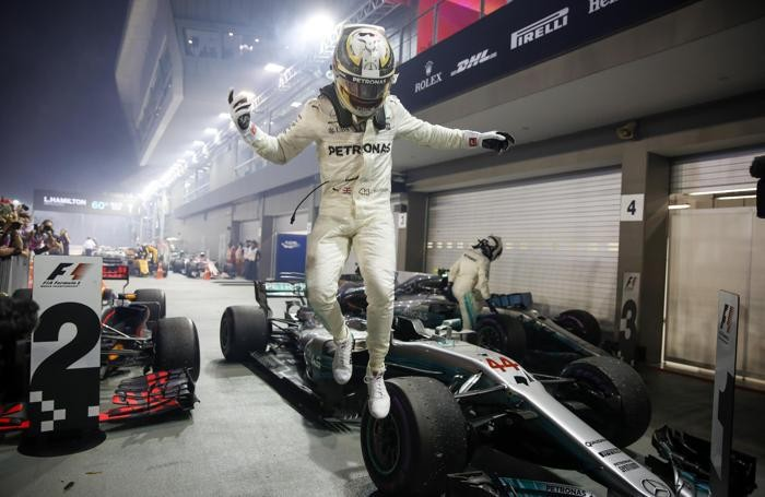 epa06210240 British Formula One driver Lewis Hamilton of Mercedes  EPA/LYNN BO BO
