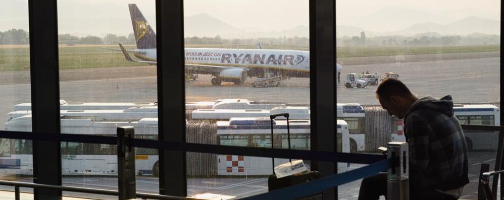 L'Ue bacchetta Ryanair (che attacca) Ecco la lista dei prossimi voli cancellati