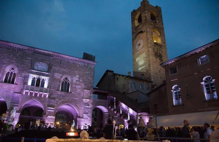 Piazza Vecchia in Città Alta per il Donizetti Night