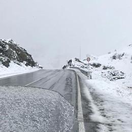 La neve di fine estate – Guarda le foto Temperature invernali, passi imbiancati