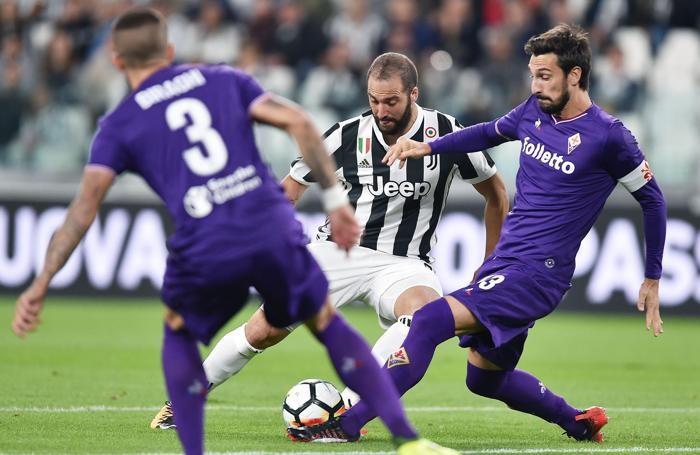 La difesa della Fiorentina in azione