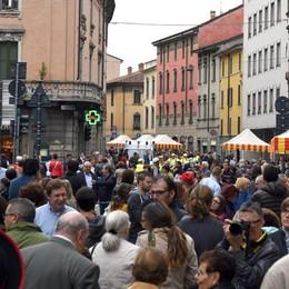 Un chilometro e mezzo di festa Domenica tutti in Borgo Palazzo