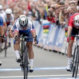 Ciclismo, storico tris mondiale per Sagan Ancora male gli Azzurri, fuori dal podio