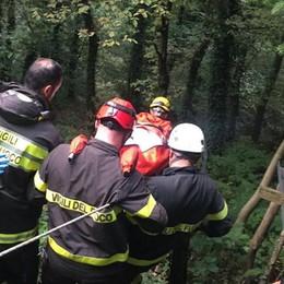 Mapello, malore per un'86enne Trasportata in spalla dai soccorritori