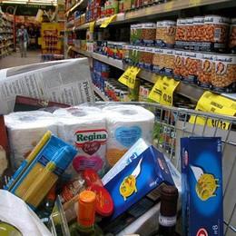 Spesa a Bergamo, cambiando  «store» si può risparmiare fino a 2mila euro l'anno