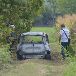 Cadavere carbonizzato in auto  Prevale l'ipotesi del tragico gesto