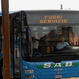 Sciopero dei bus il primo giorno di scuola Incrociano le braccia i lavoratori Sab