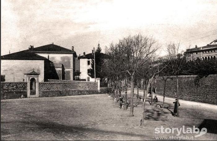 Piazza Caslini negli anni 20