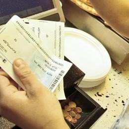 Nuove regole per i buoni pasto Si possono usare per la spesa (fino a 8)
