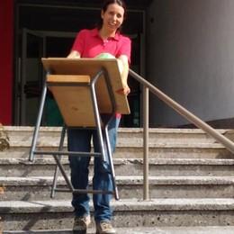 A Bossico c'è nostalgia della scuola A ruba i vecchi banchi delle elementari