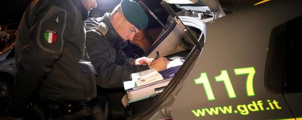 Scoperti oltre mille lavoratori irregolari Le indagini portano anche a Bergamo