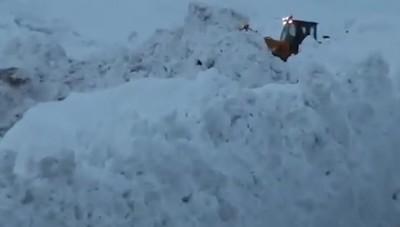 Un muro di neve, la via di fuga da Zermatt