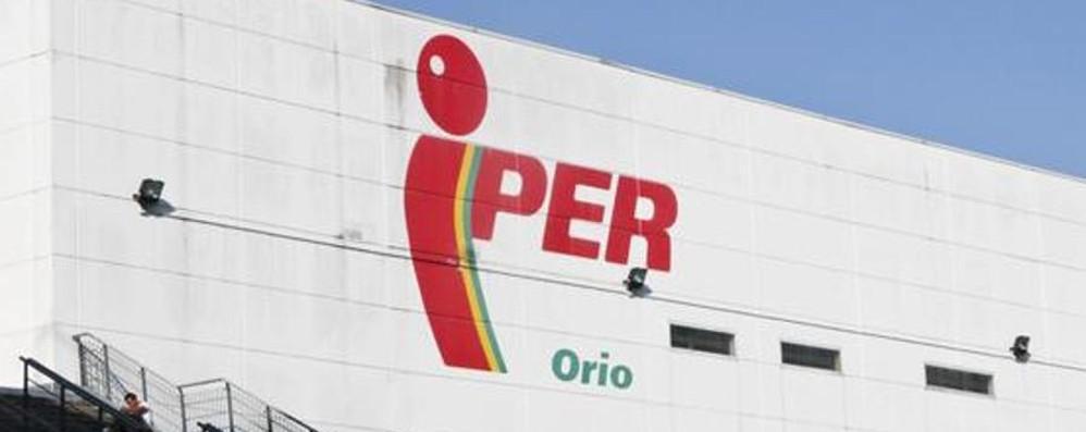 Iper di Oriocenter, crisi finita «Salvati tutti i posti di lavoro»