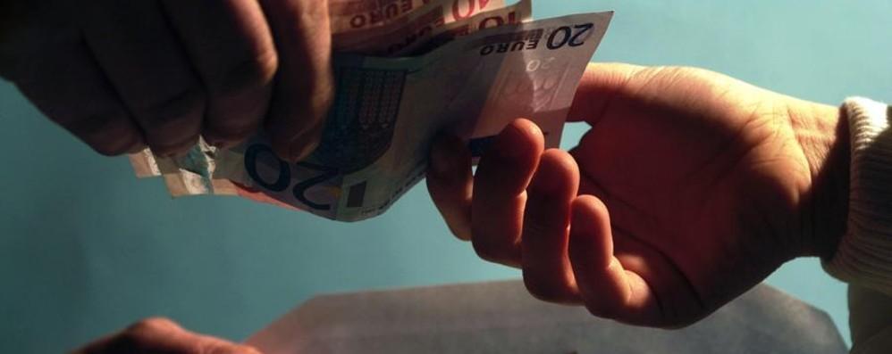 Presta 3.000 euro, ne rivuole 7.000 Arrestato per usura ed estorsione