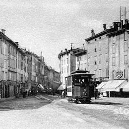 Via XX Settembre e il tram sparito La storia viaggia nel cuore di Bergamo