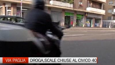 Bergamo via Paglia, lotta al  degrado Sarà «blindato» l'androne dello spaccio