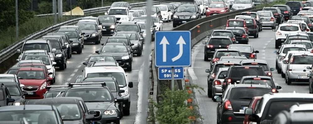 Incidente sull'Asse interurbano Traffico in tilt da Curno a Colognola