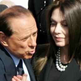 Berlusconi-Veronica, la guerra continua «No alla revoca del mensile di 1,4 milioni»