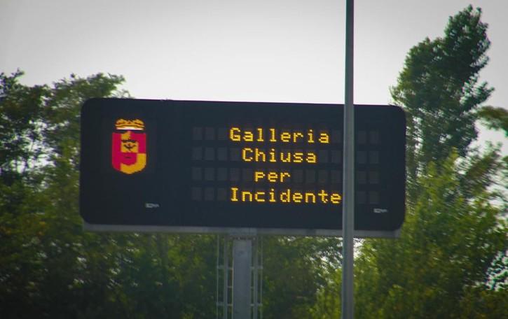 Incidente nella Montenegrone Galleria chiusa, traffico in tilt