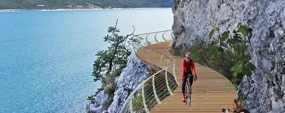 Continuano i lavori della pista sul Garda «Verranno ciclisti da tutto il mondo»