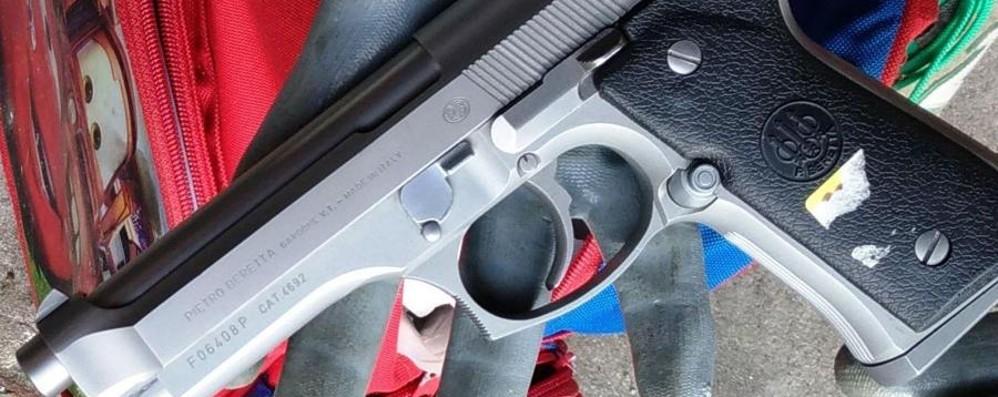 Sul treno con pistola finta e coltello Denunciato 57enne di Bonate Sopra