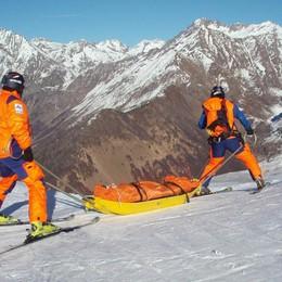 Raffica di infortuni sulle piste da sci Super lavoro per i soccorritori sulle Orobie