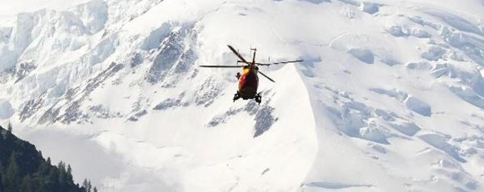 Sciatore muore sulla pista di Sestriere Ha sbattuto la testa contro una barriera