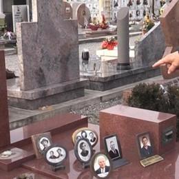 Bolgare, ladri di bronzo e ottone  Sparite nove statue al cimitero
