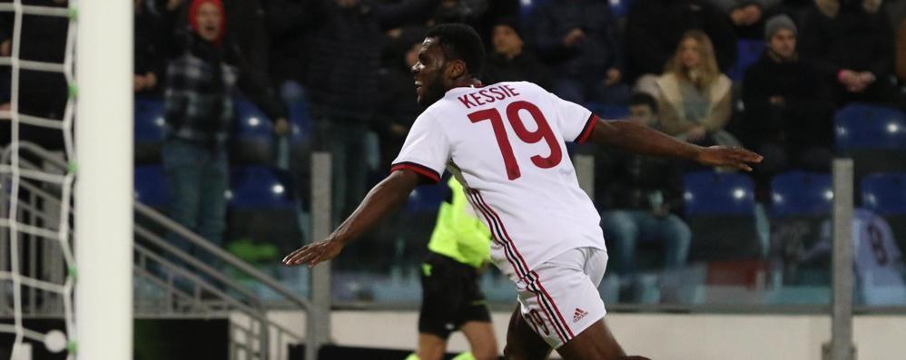 Kessie sorpassa l'Atalanta a Cagliari Due gol con il Milan per l'ex nerazzurro