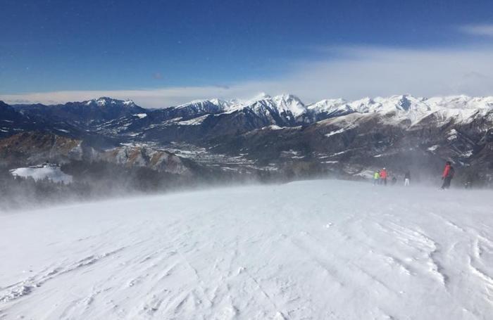 Monte Pora con il vento, in una foto postata in Fb nelle pagine del Monte Pora