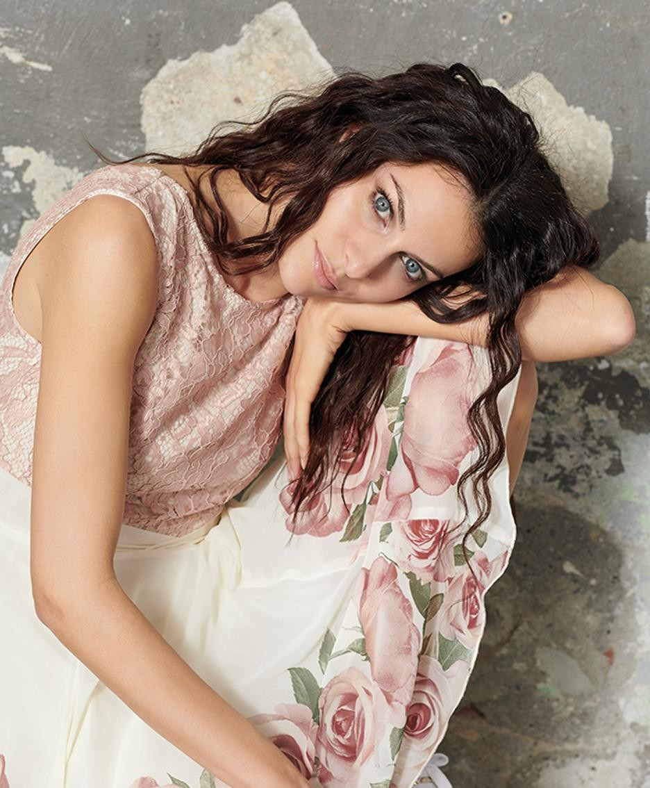 Paola Turani con un look RInascimento