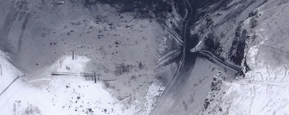 Eruzione e valanga sulle piste da sci Un morto e numerosi feriti in Giappone
