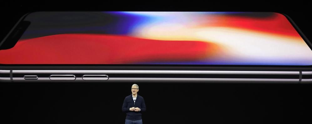 L'iPhone X vende poco Apple pensa di ritirarlo