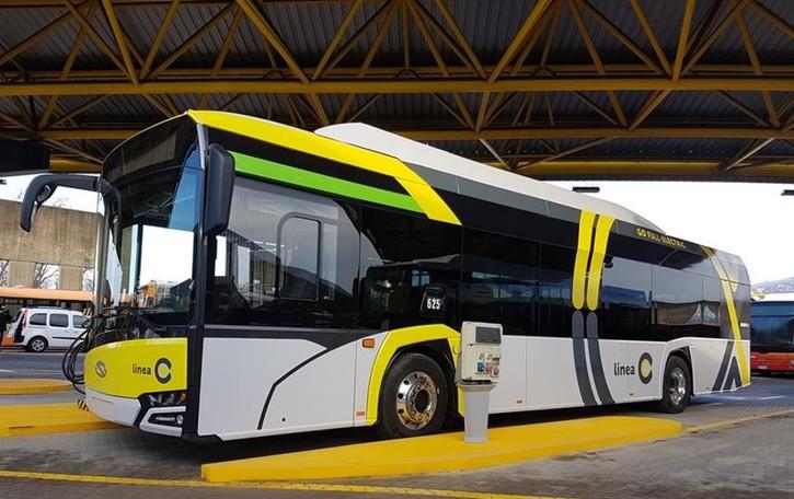 Dal 5 febbraio i bus elettrici della linea C Alle pensiline Wifi e cariche Usb - Le info