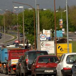 Due incidenti in Val Seriana Traffico nel caos a Nembro