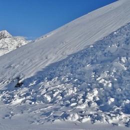 Pericolo valanghe in montagna Tanta neve e temperature alte, è allerta