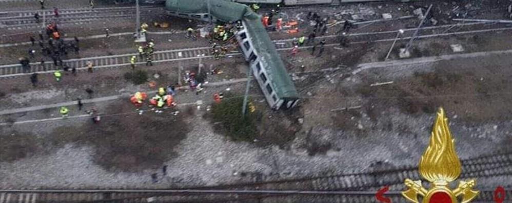Deraglia un treno a Pioltello - Foto Tre vittime, due sono bergamasche