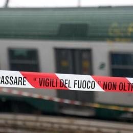 Lunedì la rimozione del treno deragliato Il «mistero» del legno. Rfi: non previsto