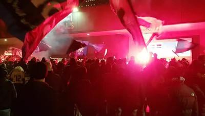 Atalanta, impresa a Napoli, tifosi in festa Accoglienza trionfale all'aeroporto