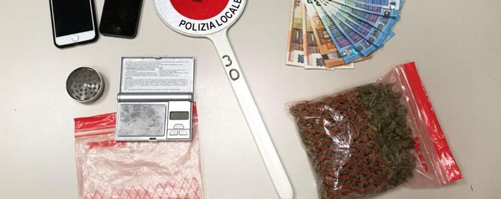È ai domiciliari, ma spaccia droga Trovato con la cocaina a Treviglio