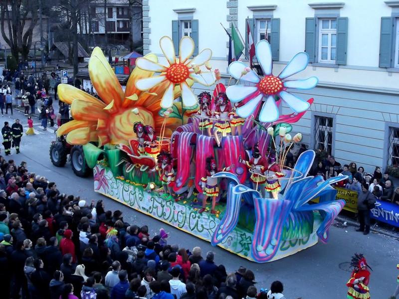 Carnevale Caluschese Domenica 11 Febbraio 2018 1430 Calusco D