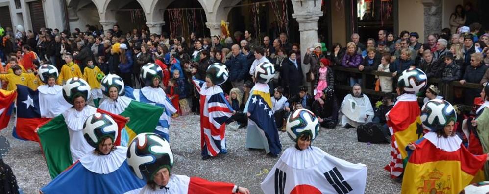Carnevale di Clusone, a febbraio si sfila Aperte le iscrizioni per carri e gruppi