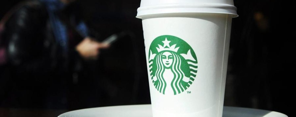 Altro che 2 centesimi per i sacchetti bio In Gb tassa (salata) sui bicchieri di caffé
