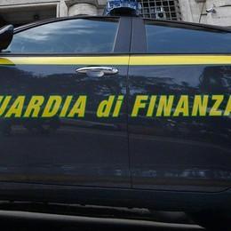 Operaia con quasi 10 milioni di euro Dalla Svizzera al sequestro della Finanza