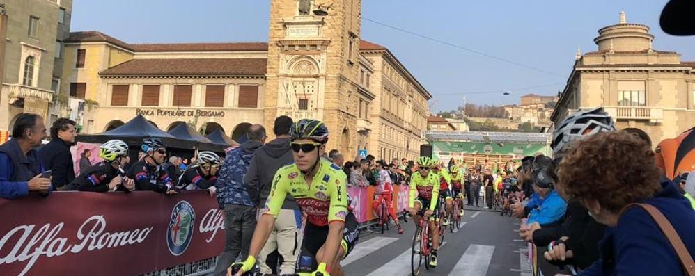 L'abbraccio di Bergamo al «Lombardia» Bardet, Pinot e Nibali i favoriti della corsa