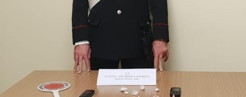 Spacciatore di cocaina a 60 anni I carabinieri lo arrestano a Osio Sotto