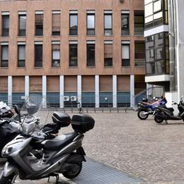 Bergamo,«Banda delle Honda» in azione  Via 6 moto, di giorno e sotto le telecamere